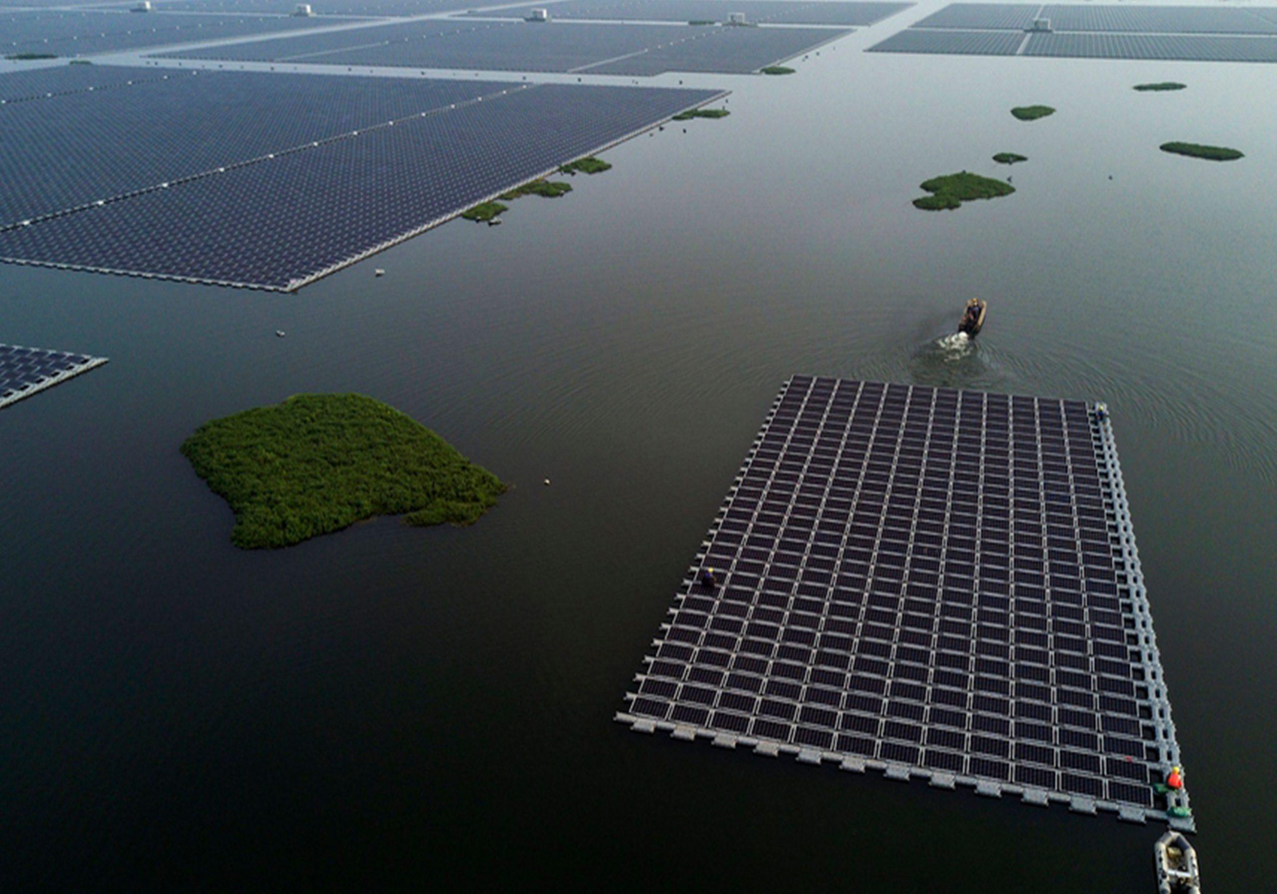 "Fotovoltaico Galleggiante, Nel Lago Tian Gang In Cina Nuota Un Pesce ""solare"""